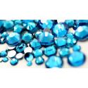 Stikliniai PEACOCK BLUE akmenukai 100vnt.
